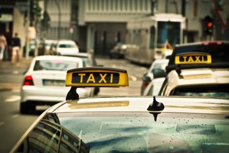 taxi 1515420_1280