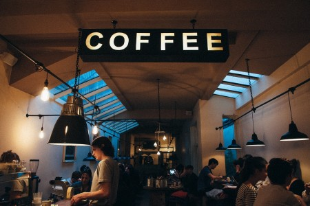 coffee shop 1149155_1280