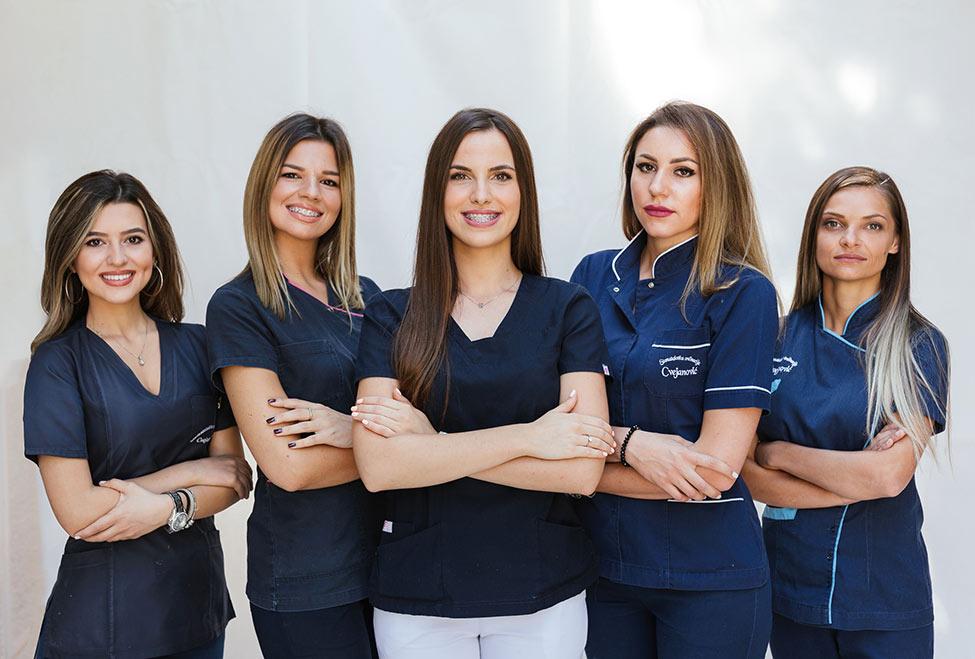 stomatoloska ordinacija cvejanovic slika tima